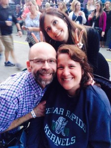 Between the set by the group The Fray and headliner Train, Jennifer's friend Nora found a perfect opportunity to photobomb us.
